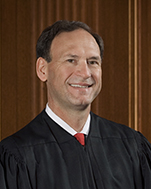 Official portrait of U.S. Supreme Court Justice Samuel A. Alito Jr